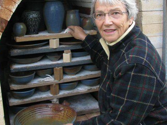 Thunder Bay Potters' Guild - Trudy-Jamieson-Unloading
